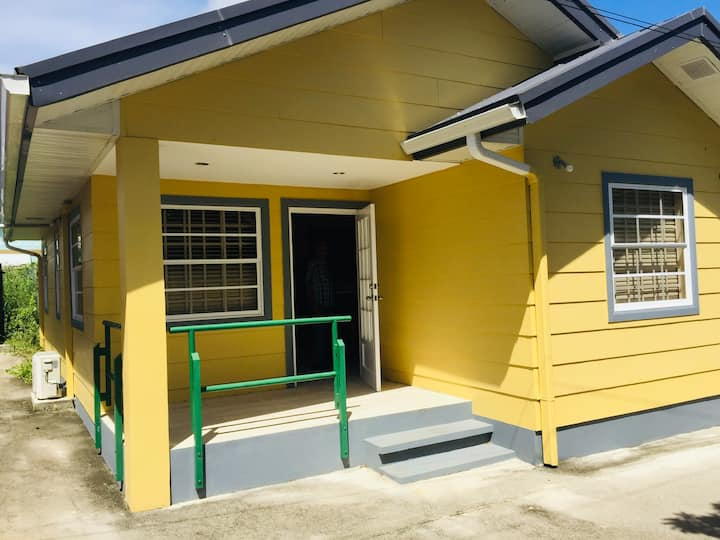 Mango cottages 2 Sleeps 4 Five minutes to beach