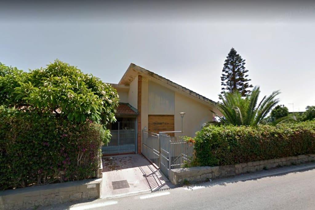 Ingresso sulla Strada principale - SS.113 Messina Palermo
