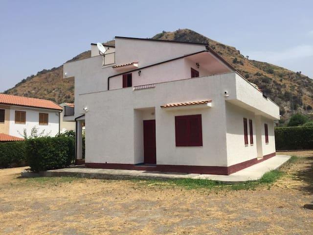 Villa Fiume di mare - Appartamento primo piano