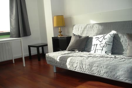 Apartament Berga 3 - Berga - Apartment