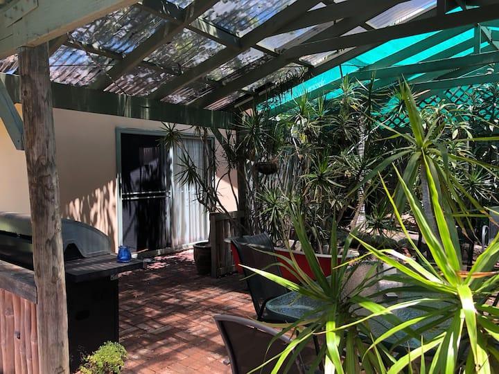Sparkling Clean Private Garden Studio with Netflix