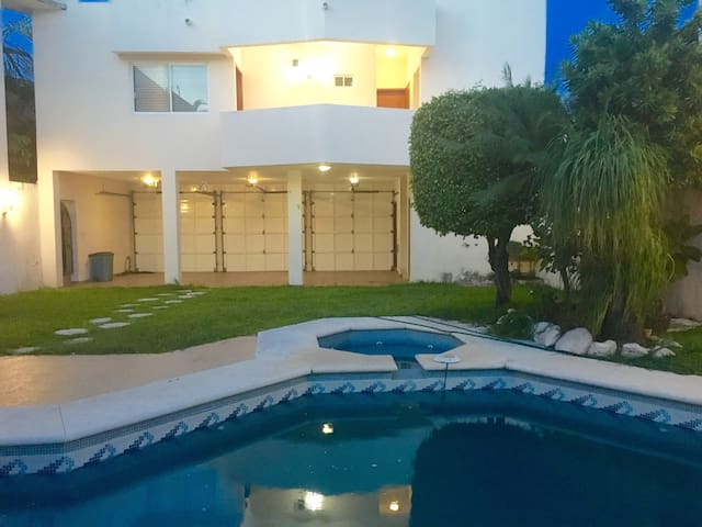 EXCLUSIVE PLACE NEAR THE BEACH WITH POOL & GARDEN! - Boca del Río - Byt