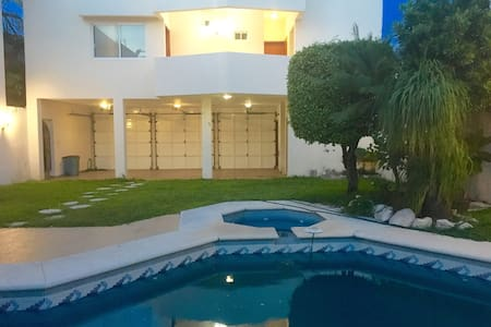 EXCLUSIVE PLACE NEAR THE BEACH WITH POOL & GARDEN! - Boca del Río - Pis
