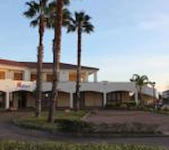 Antigua Residence and Restaurant - Bonifati