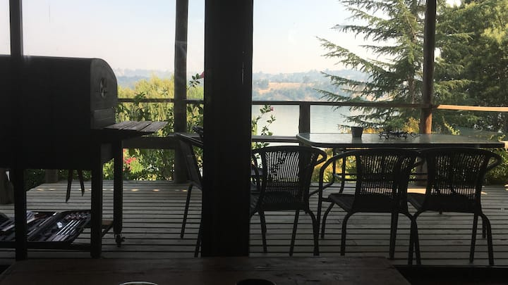 Cozy Equipped Lake House at Lago Rapel, love it