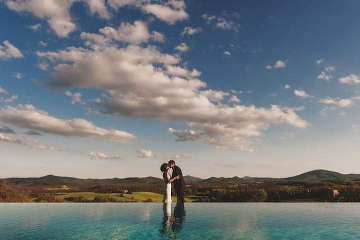 tuscan wedding with a view , sleeps 24 !