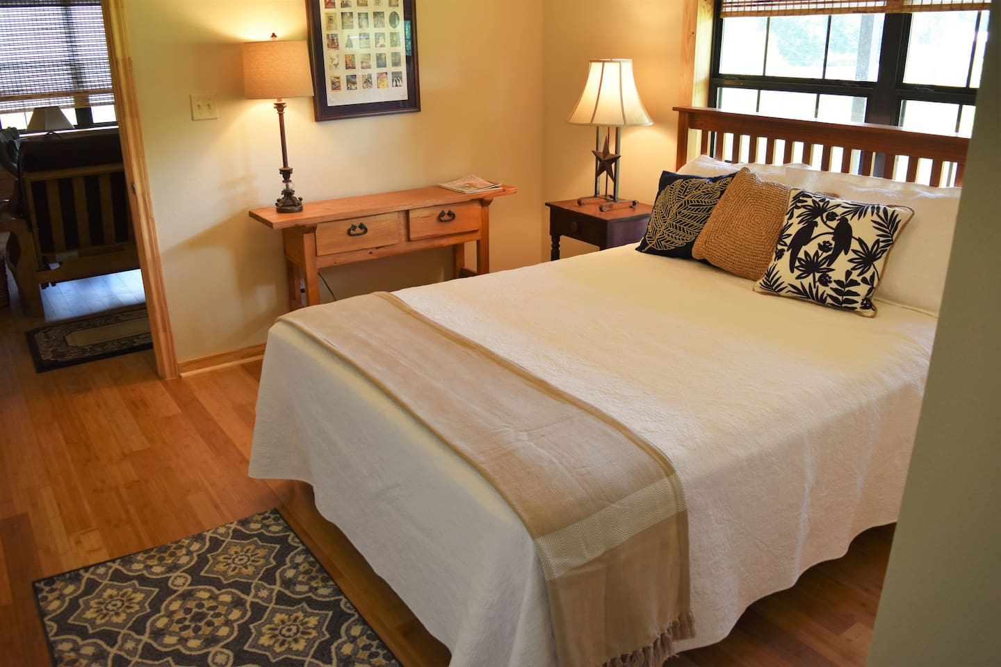 This cozy room is perfect for any traveler who enjoys simplicity and comfort all in one spot. Include queen bed and a closet.
