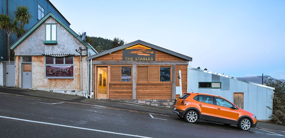 Relax in Comfort - The Stables- Heart of Lyttelton