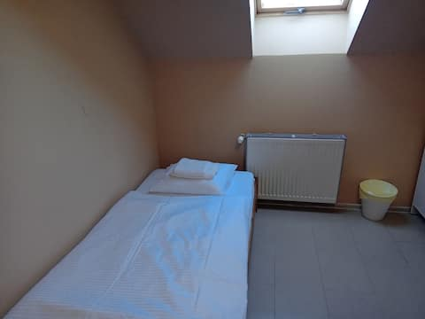 Small flat, 30 min. to Prague center, not shared