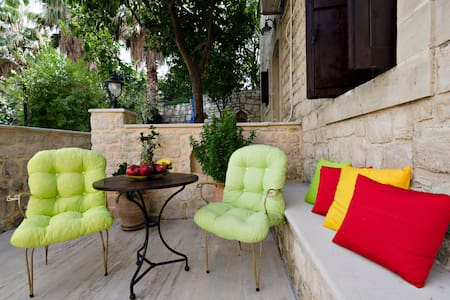 S1 웃유Couple's Getaway*Kitchen*WiFi*Parking - Skouloufia Rethymno Crete - Şehir evi