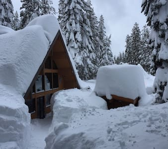 Beautiful Mountain Lodge - Hot Tub - Soda Springs