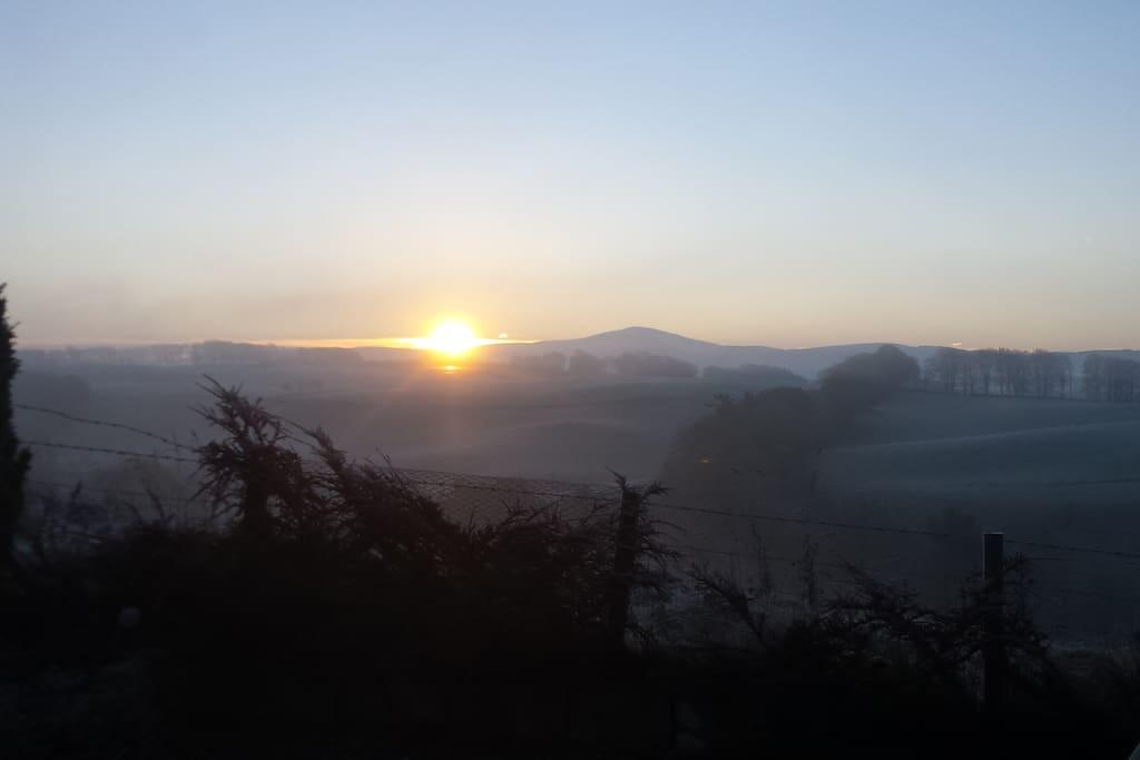 Winter sunrise over Tinto