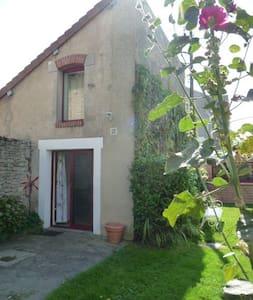 Chambre dans Maisonnette indépendante - Saint-Aubin-sur-Mer