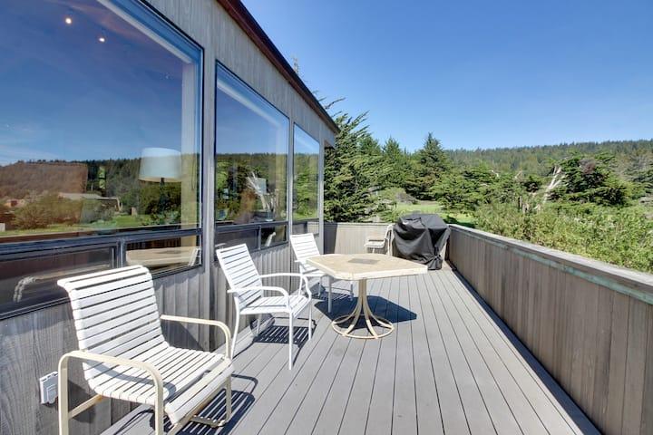 Dog-friendly with hot tub, shared pool, ocean views & two decks!