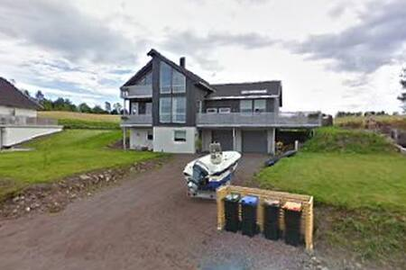 Gjesterom i enebolig - Holmestrand - Σπίτι