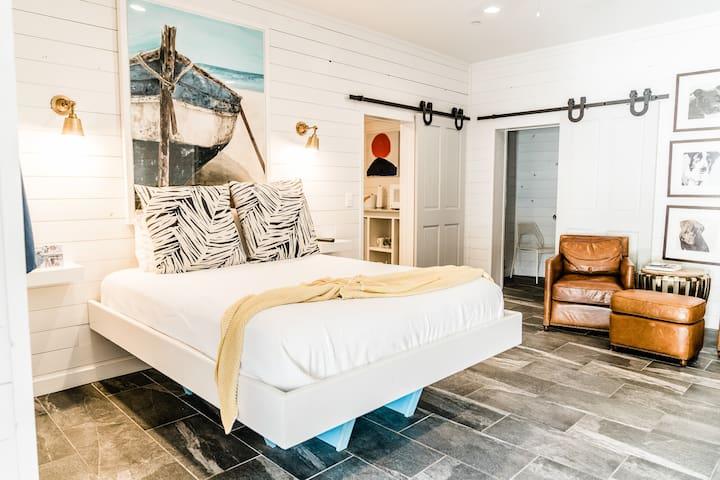 Cozy, spacious and plenty of modern amenities