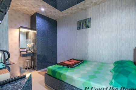 P Court The Resort.2