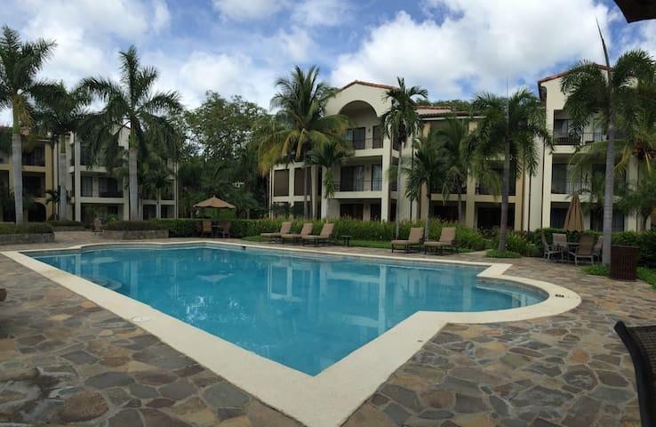 Pacifico Resort Condo by pool - Coco - Condominio