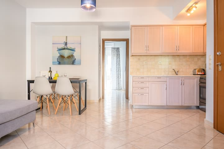 Chania Central Flat in Chania Town-free parking.