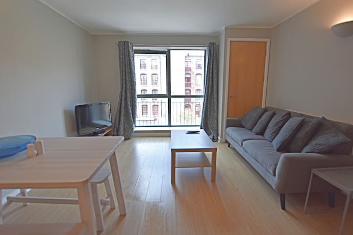Centrally located 2 bedroom apartment with parking