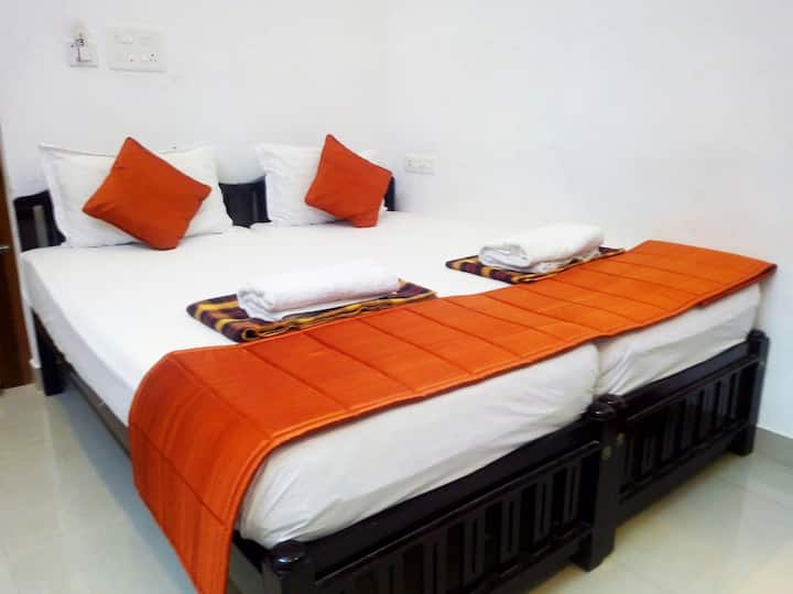 i- One's HOMESTAY PRIVATE ROOM@ FORT KOCHI-3