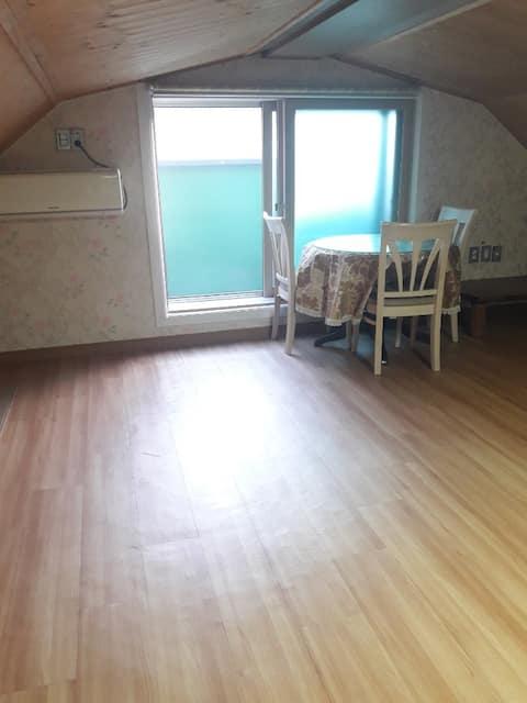 Kim's House 넓은 오두막, 차로 이동을 도와드립니다.