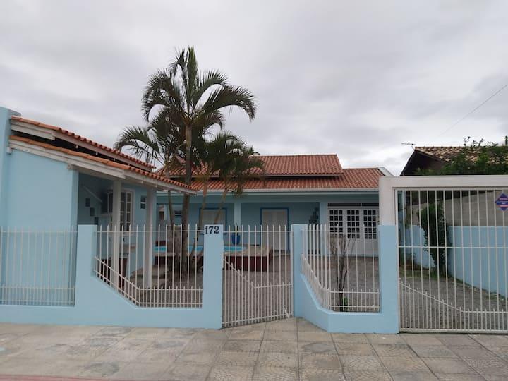 Na Praia do Sonho ampla Casa com piscina