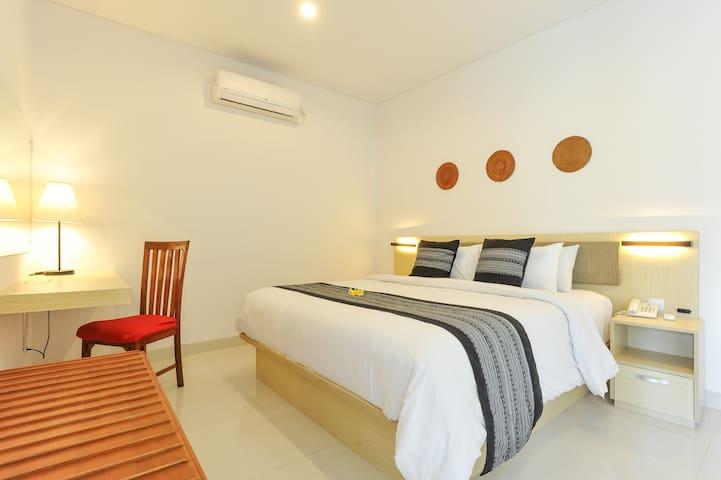 Beach Front Suites Room in seminyak (14 Rooms) - Kuta - Lägenhet