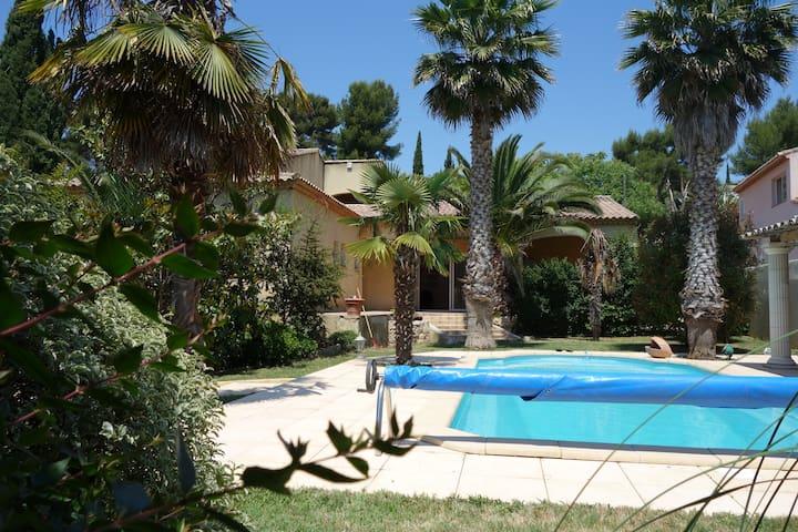 Chambre avec 2 terrasses dans villa de standing
