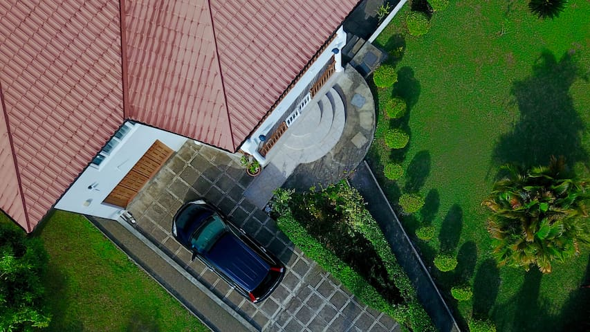 Aerial view of the Front Garden with Driveway!