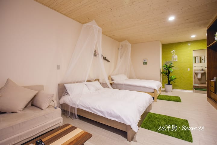 高雄美麗島捷運站/森林系4~6人大套房/獨立空調衛浴