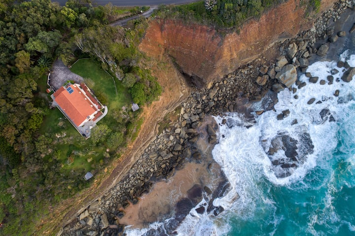 Sirocco - Terrigal's Original Seaside Villa
