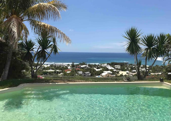 Ocean pool villa 2 see view en home stay