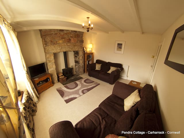 Pendra Cottage Sleeps 6  Cornwall - Family Home - Carharrack - House