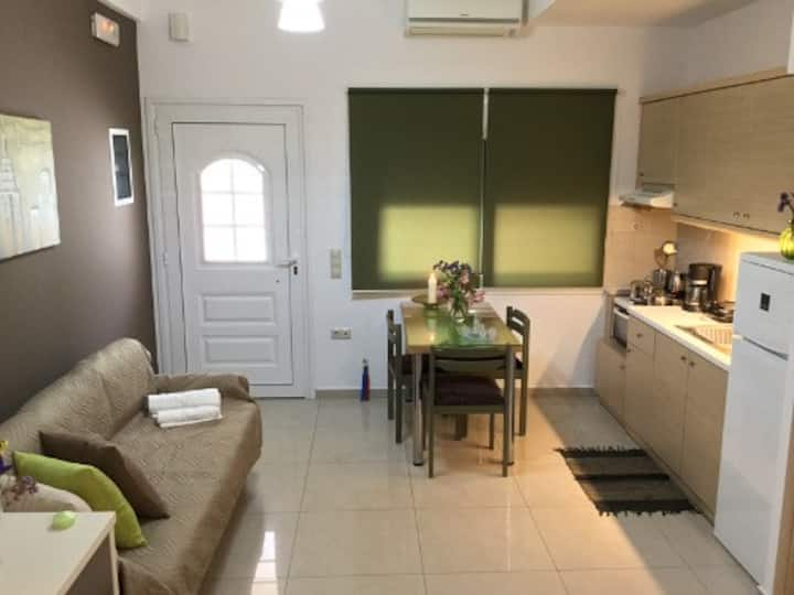 New Studio 3min to airport & 8min to city center