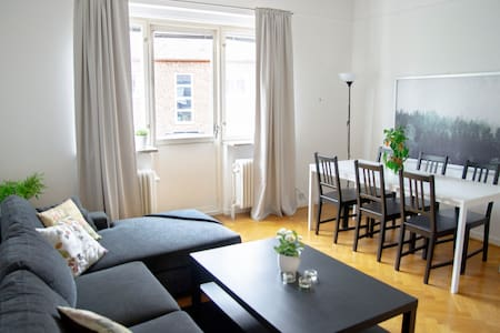 Timeless & Cozy Apartment In Central Lund
