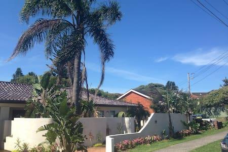 Cronulla Beach House B & B - Cronulla