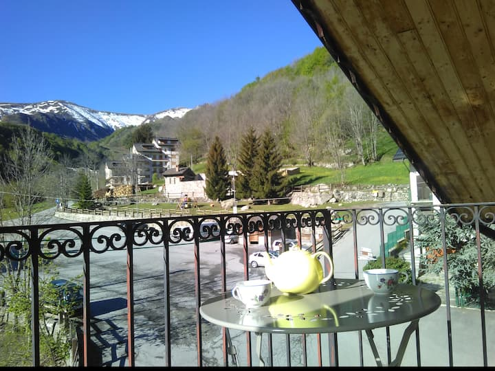2 rooms flat in mountain quiet typical village