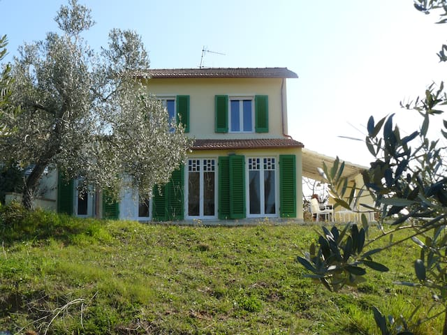 Nice villa with seaview located on Etruscan coast - Riparbella - House
