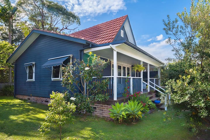 "Beautiful ""Albert Cottage"" In Avalon Beach"