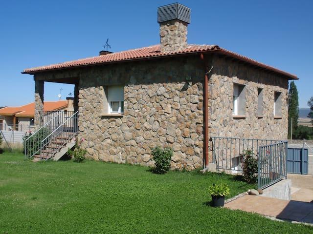 """Casa Rural """"El Castillo"""" - Palacio - Dom"""