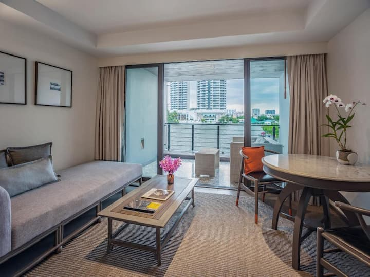 Available Double River View At Khao San
