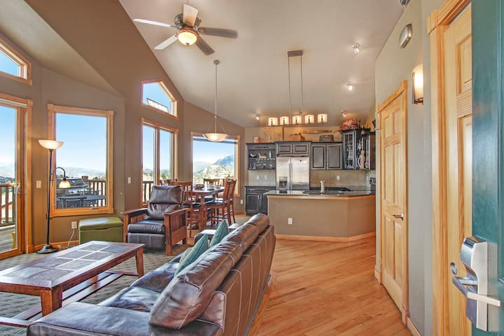 Chief Cheley Peak 40A - 2 Br condo with private hot tub