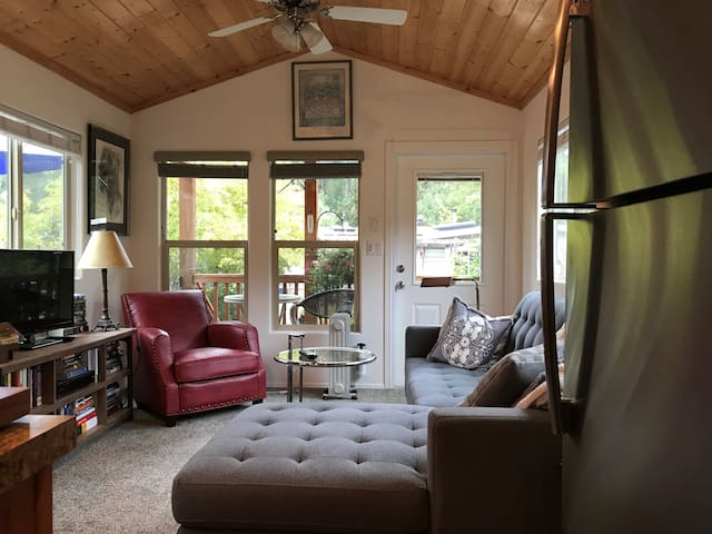 Tiny cabin in Lagunitas/Forest Knolls