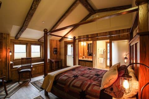 Black Barn Oak Room