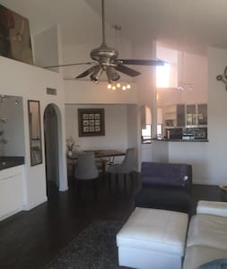Updated 2Bed2Bath Condo in the Heart of Scottsdale - Paradise Valley