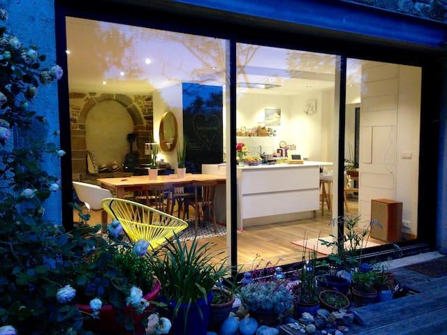Belle maison confortable dans village de campagne - Montreuil-le-Gast
