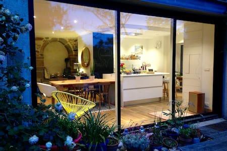 Belle maison confortable dans village de campagne - Montreuil-le-Gast - Haus