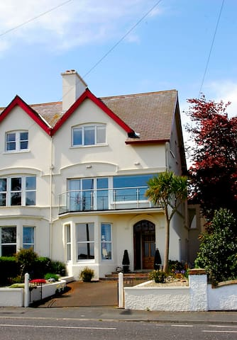 4 b'room house ,stunning sea views, Bangor - Bangor