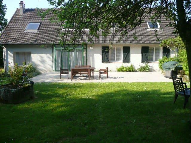 Villa Serena - Gourfaleur - บ้าน